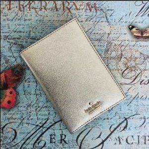 Kate Spade ✨Like New✨ Gold Passport Holder Case